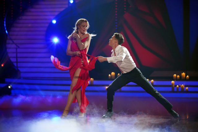 Charlotte Würdig und Valentin Lusin tanzen Rumba. (Foto: MG RTL D / Stefan Gregorowius)