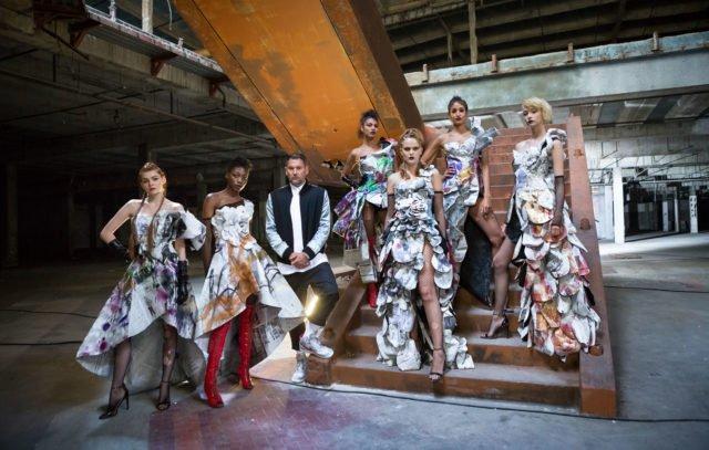 Klaudia, Toni, Michael Michalsky, Julianna, Pia, Sara, Sally (Foto: ProSieben/Martin Ehleben)